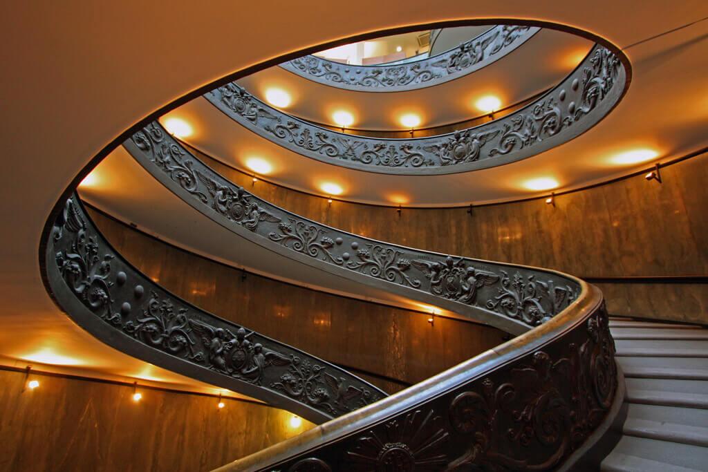 conception d'escalier complexe : le cas de l'escalier de Bramente au musée